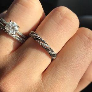 Simon G 14carat white gold .33 black diamond ring